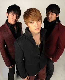 trans 110519 jyj large scale north america tour to be filled up by emotionally moved. Black Bedroom Furniture Sets. Home Design Ideas